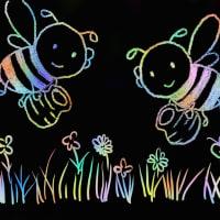 アートレイジ ミツバチと花 ステンシルで絵を描く