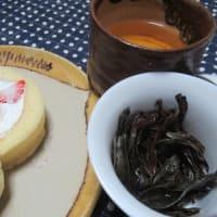 岩茶とロールケーキと誕生日