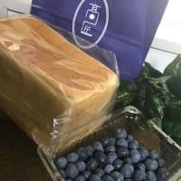 高匠の食パンとブルーベリー