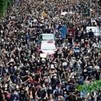 タイの民主化デモは しばらく 継続されますね!