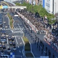 神がかっている新天皇・・・「祝賀御列の儀」沿道は11万9千人皇位継承式典事務局が発表
