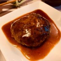 ハンバーグと和食の夕食