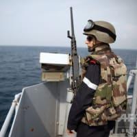 カメルーン沖で商船2隻襲撃、中国とウクライナの船員計17人拉致される。