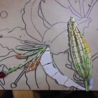 お教室とカサブランカのモザイクの花4つ目