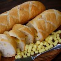 こだわりチーズのチーズフランス☆横浜の美味しいパン かもめパンです(*^-^*)