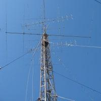 第一タワーのアンテナ群