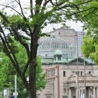大阪で見かけたユニーク建造物!・・・ホテル 外灯等