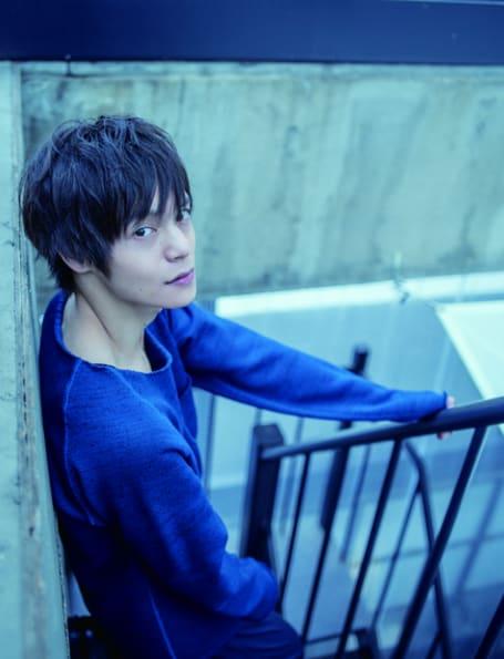 映画デスノートにて、ドラマアカデミー賞主演男優賞を受賞し、その他にも様々な映画、テレビドラマにて活躍する人気俳優、窪田正孝さんの2017年版のカレンダーが発売