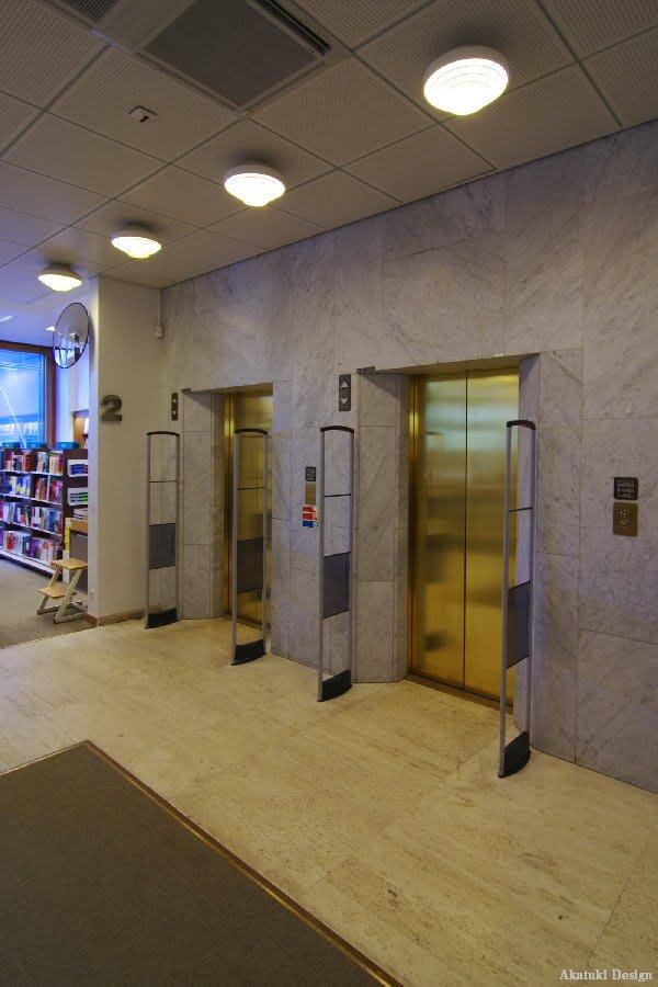 アカデミア書店エレベーター