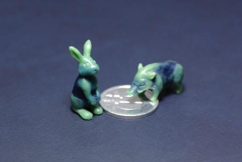ウサギとイノシシ