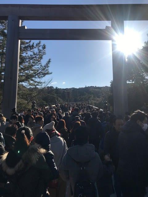 伊勢神宮「内宮」に初詣行ってきました〜(^^) 2019