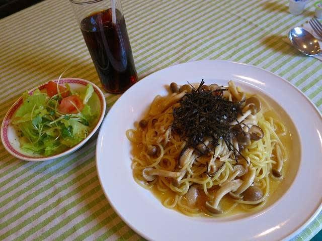 本日のランチ(しょうゆ味)きのこいろいろスパゲティ