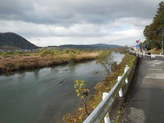 吉井川沿い
