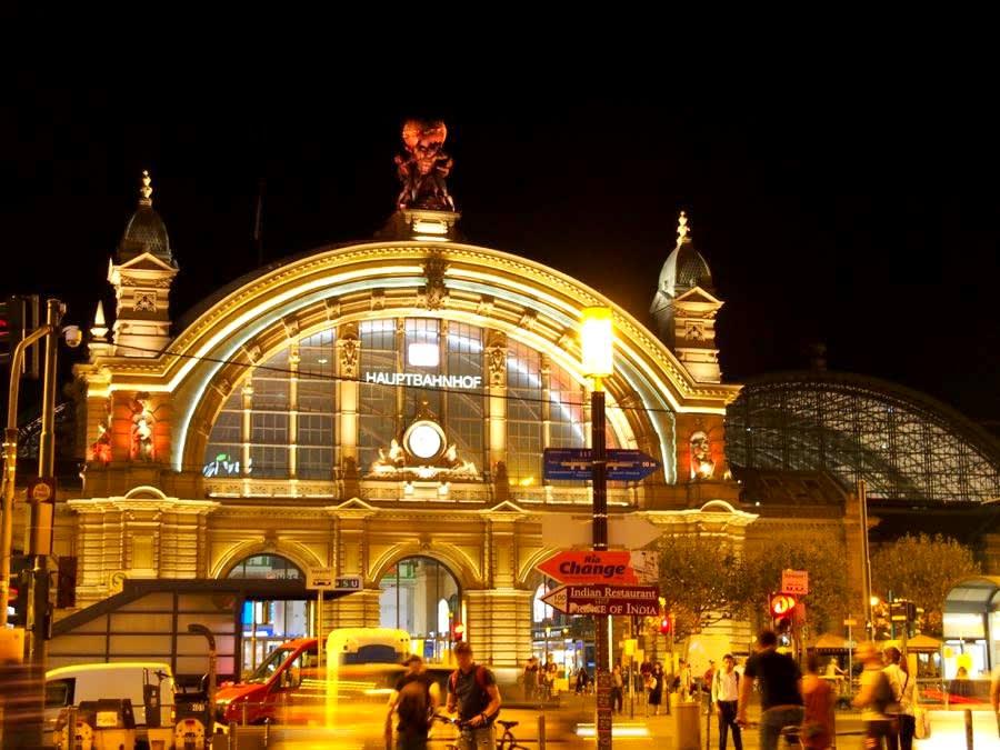 まずは、旅のルート。そしてフランクフルト中央駅の夜☆ - Felice*mamma