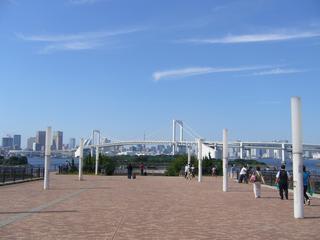 AQUA CITYよりレインボーブリッジと東京タワーを臨む