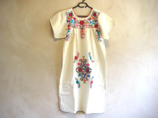 メキシコ 花柄刺繍ワンピース ブラウス