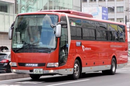 小田急箱根高速バス GSEバスの行...