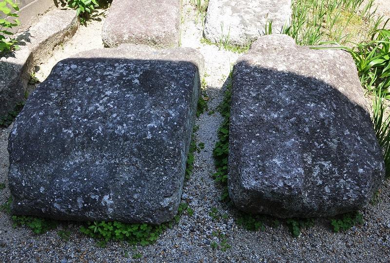 浄土寺の石棺蓋石