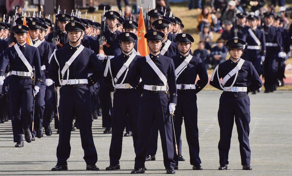 大学 校 防衛