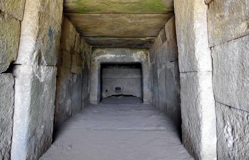 素晴らしい石室が見れる宝塔山古...