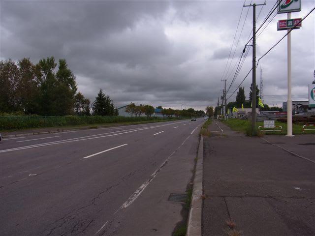 直線 日本 道路 長い 一 日本最長約30kmの「私道」! 行き交うクルマも規格外、なぜできた?(画像8枚)