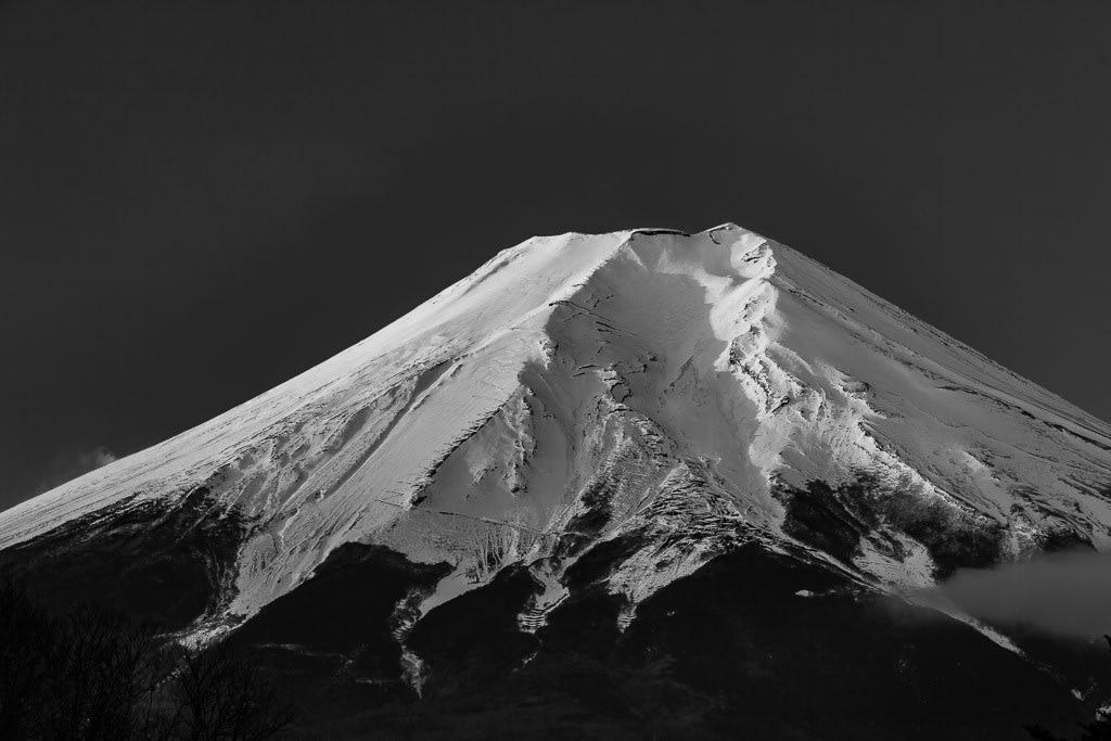 富士山のモノクロ写真