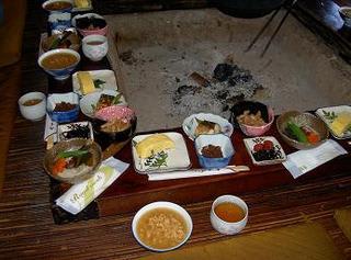 完全予約の名物・茶粥(ちゃがゆ)定食