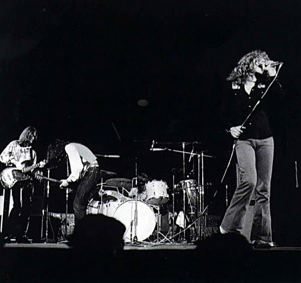 Led Zeppelin 1971-09-29 Osaka, Japan - 酒とROCKの日々
