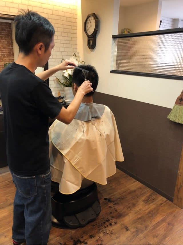 近く の 散髪 屋