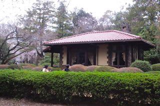 飛鳥山公園にある晩香盧 - あられの日記