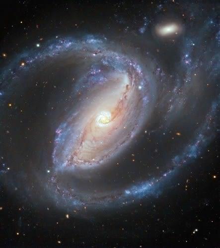 渦巻銀河の腕を見れば中心ブラッ...