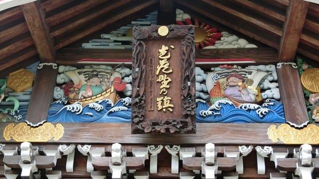 社殿の彫刻