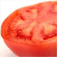 「塩?砂糖?トマトに何をつけて食べる? ←」の質問画像