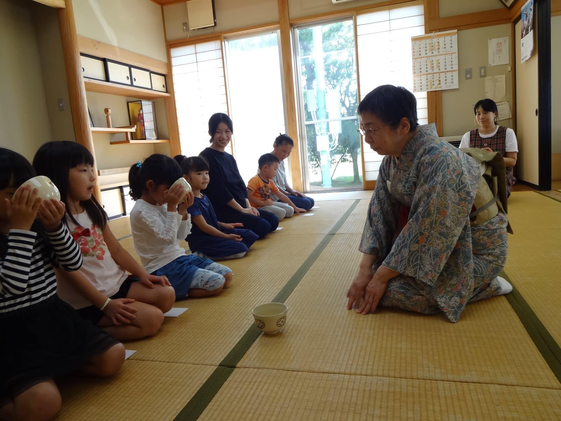 保育園の茶道教室