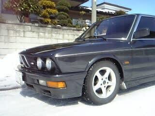 BMW E28 - くるまと空とノンキ者