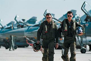 「戦闘機 パイロット」の画像検索結果