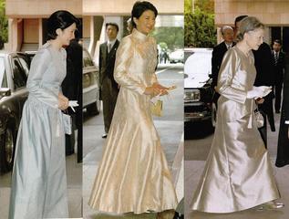 皇后陛下と紀子妃、がグレーのドレスだった時に、雅子妃一人が白いドレスだったのです。