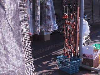市場の干し柿