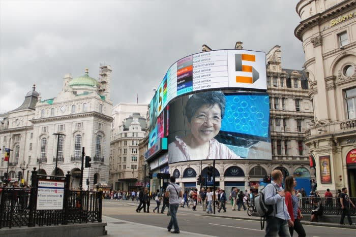 Photofuniapicadilly_circus