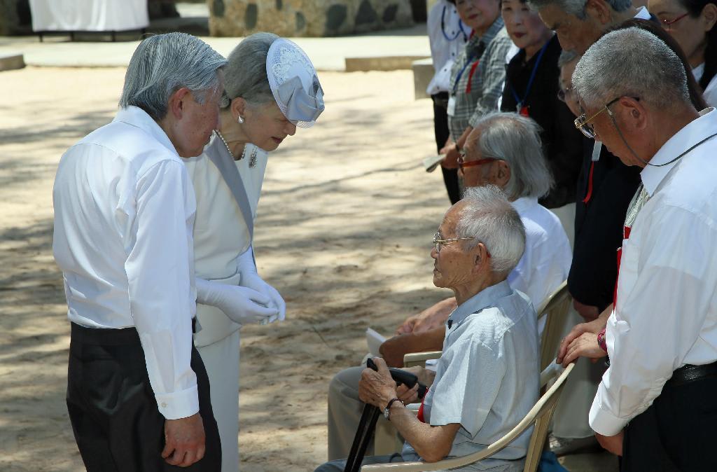 両陛下、すべての戦没者を追悼 ペリリュー島ご訪問