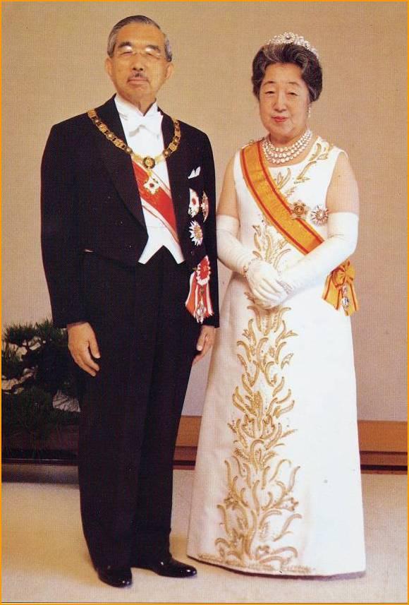 この香淳皇后のドレスは可愛いですよね。
