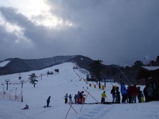 スキー場。人工降雪で、雪もバッチリ?