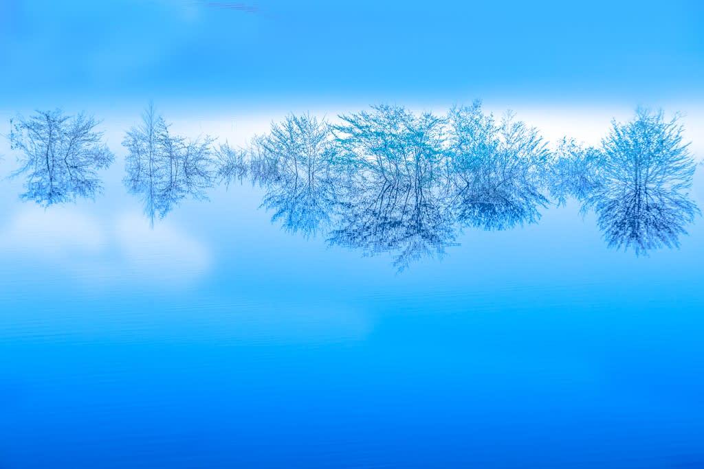 奥四万湖/四万ブルーの写真