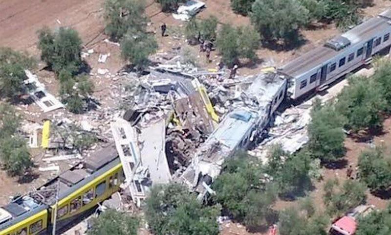 イタリア列車衝突事故で、駅長が...