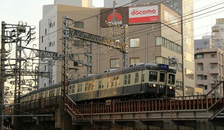 京成リバイバルカラー青電、最終日は上野まで…