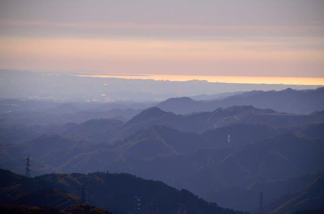 日の出山 紅葉 登山