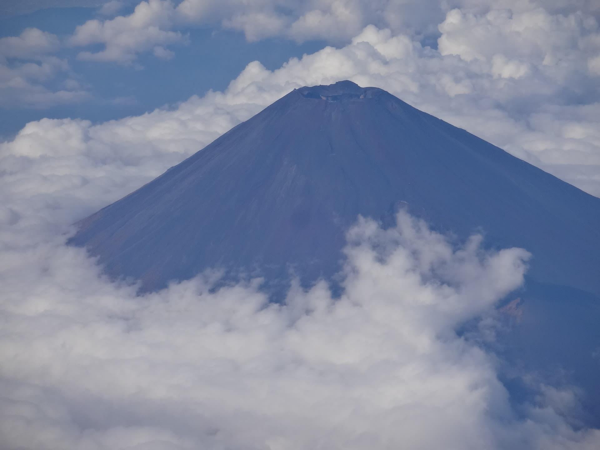 富士山 2016秋、初冠雪最遅日か...