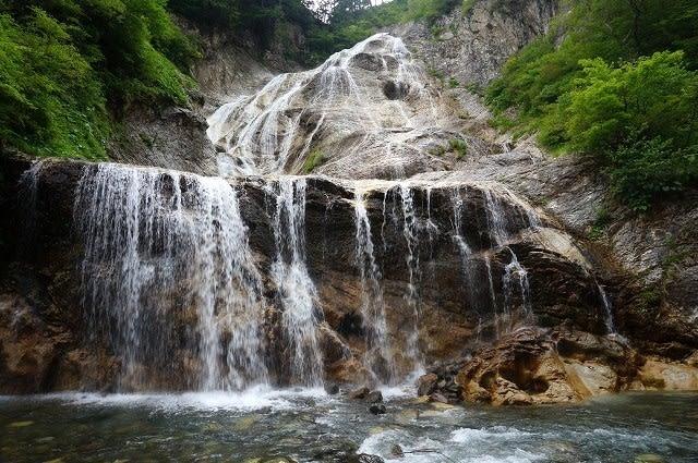 白山スーパー林道から姥ヶ滝と噴...