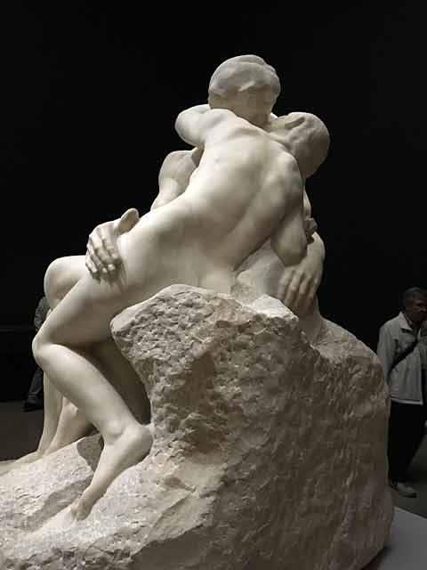 ロダン 接吻像