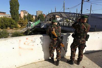 セルビア 国境共同管理でコソボ...